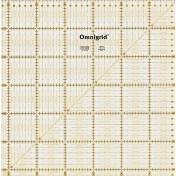 Линейка-квадрат с сантиметровой шкалой 31,5х31,5 см PRYM 611319